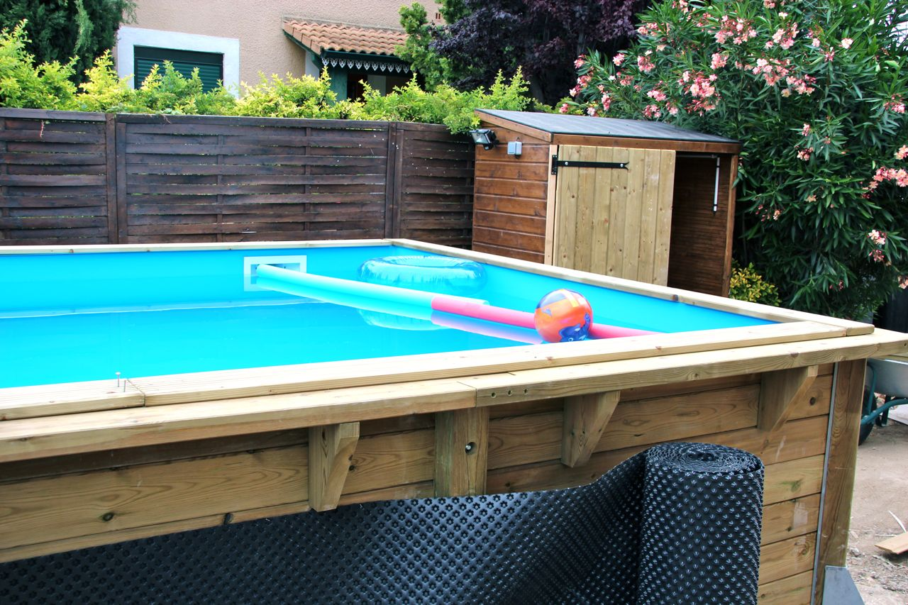 Swimming pool my expat life that 39 s hamori for Build your own swimming pool deck