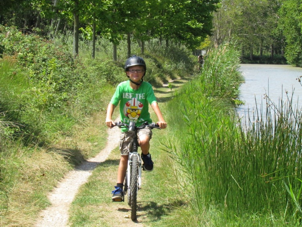 Cycling along the canal du midi