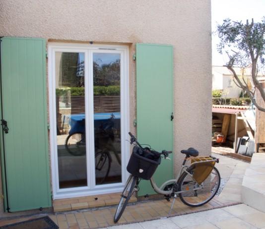 side door looking towards pool Capestang